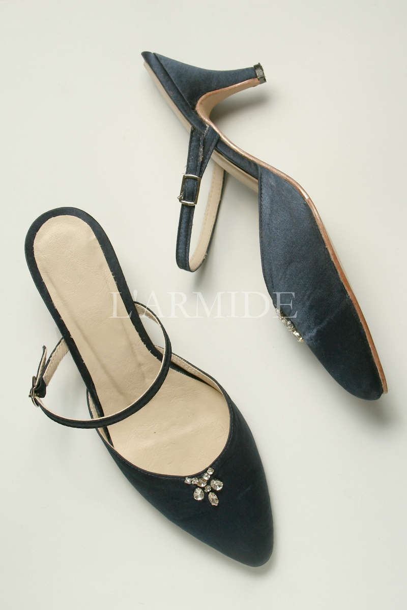zapatos-de-novia-kitten-heels-raso-azul-broche-strass-buenos-aires-argentina-larmide-1200-_MG_3454.jpg